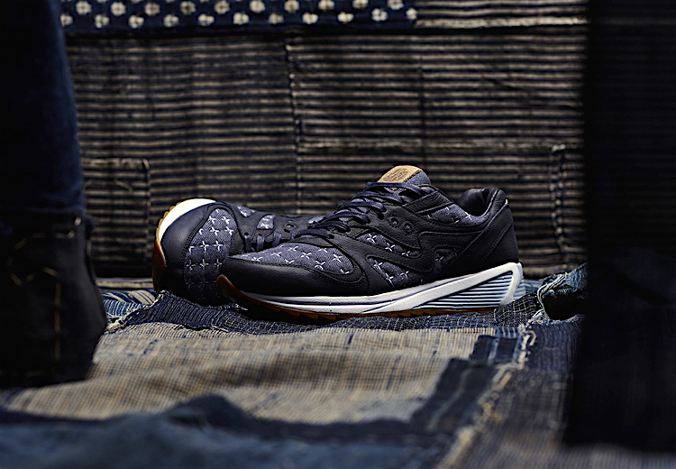 The Sneakers Box SAUCONY GRID 8000 x UP THERE SASHIKO
